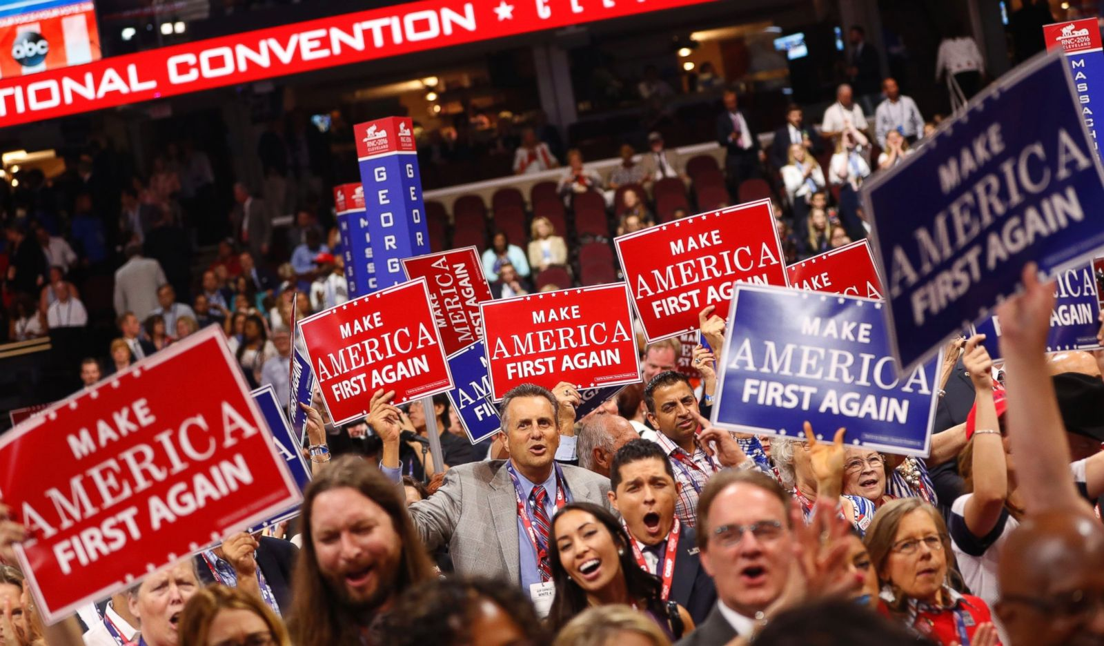 rt_rnc_crowd_signs_ps_160920_12x7_1600
